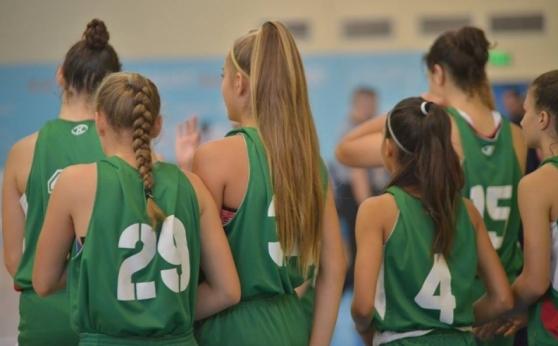 Момичетата U16 с победа в Турция
