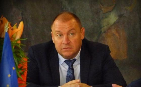 Солидарни в кризата: Кмет и съветници в Костенец даряват от заплатите си