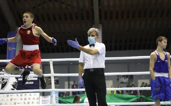 Първа титла за България от европейското по бокс в София