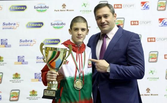 Кристиян Цветанов взе купата за най-добър боксьор в София