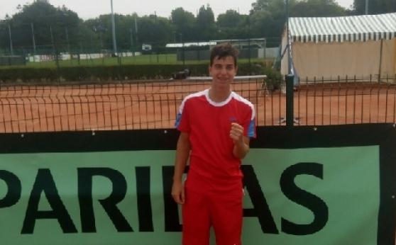 Андреев се класира на полуфиналите без загубен сет