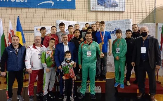 Куп медали за младите ни борци в Румъния