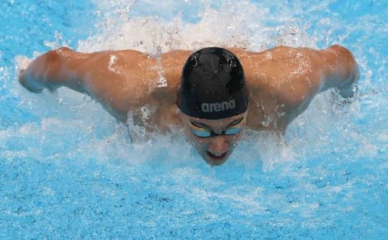 Страхотен Миладинов се пребори за олимпийски финал