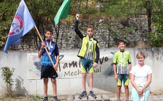 Безгрешни двойни шампиони в държавното по летен биатлон