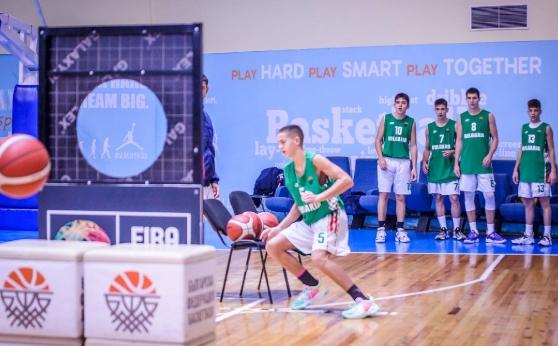 Баскетболистите U15 са на четвъртфинал на световното по умения