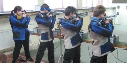 Трима юноши и 6 девойки ще стрелят на европейското
