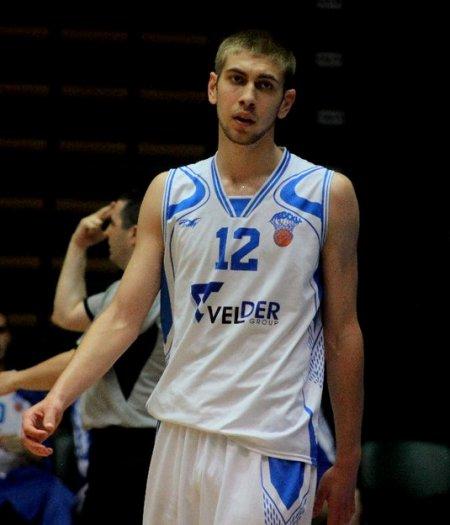 Алекс Симеонов отдавна превърнал баскета в своя любов