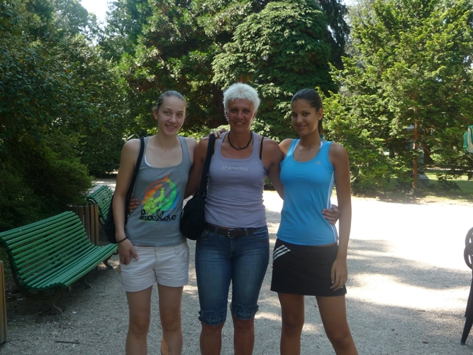 Две българки растат под крилото на Полина Цекова