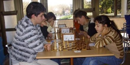 Дебютант от Ловеч печели шах турнир в Шумен