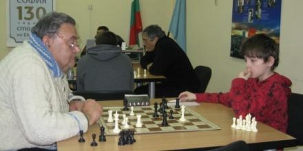 Младият Петков измъчи 75-годишна легенда