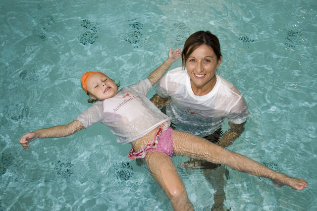 В Австралия – плуването задължително