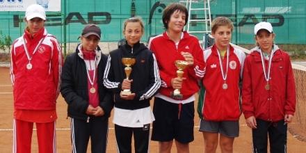 Събират на турнир тенисисти и спонсори
