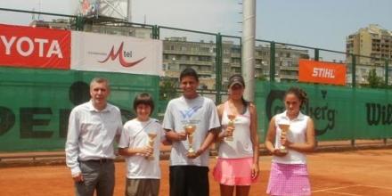 Хепатит отложи държавните по тенис в зала