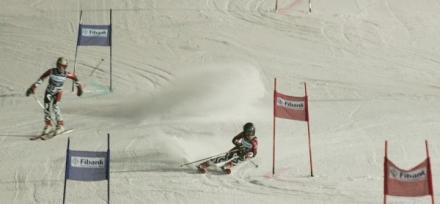 """Малките ни скиори обраха медалите на """"Ястребец"""""""