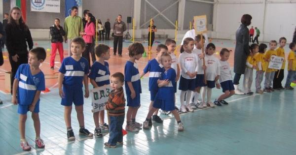 """""""Малките могат"""" показа на децата 13 вида спорт"""