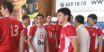 Юношите младша играят за място на финала в Перник