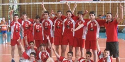 Момчетата на ЦСКА с титлата, побоища в залата