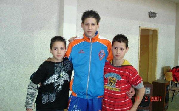 Тримата братя Пенчеви с една мисия - волейболът
