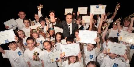 "Фондация ""Бербатов"" награди успелите деца на България"