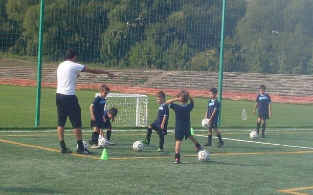 ДИТ Спорт поставя основите на футбол 7 в София
