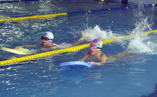 8229fdee0b0 30 деца с увреждания дават открит урок по плуване в София